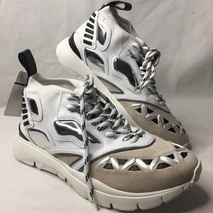 $840 Valentino snickers  white size 40 approx.US 7